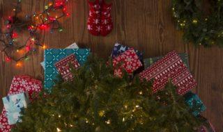 Положить начало новым рождественским традициям: обмен книгами, чтение в канун Рождества