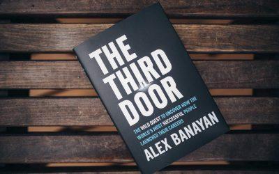 Міфи про зірковий успіх: огляд книги «Треті двері» Алекса Банаяна