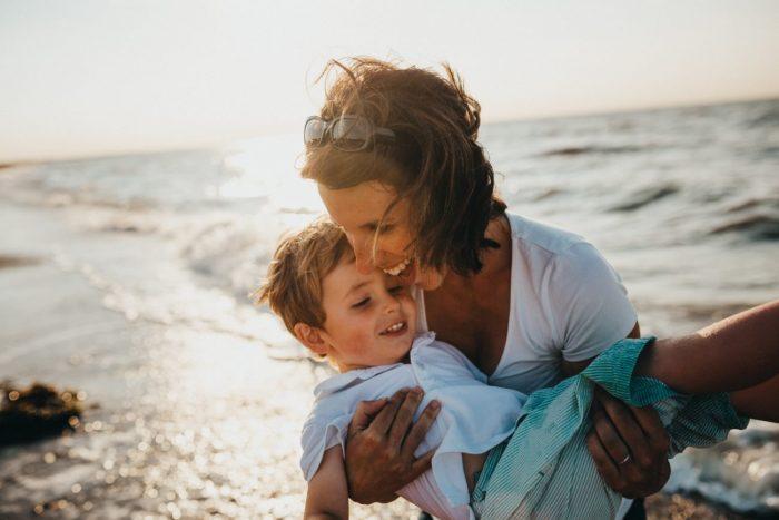 Всем детям нужно тепло и внимание, и контакт, и еще много времени