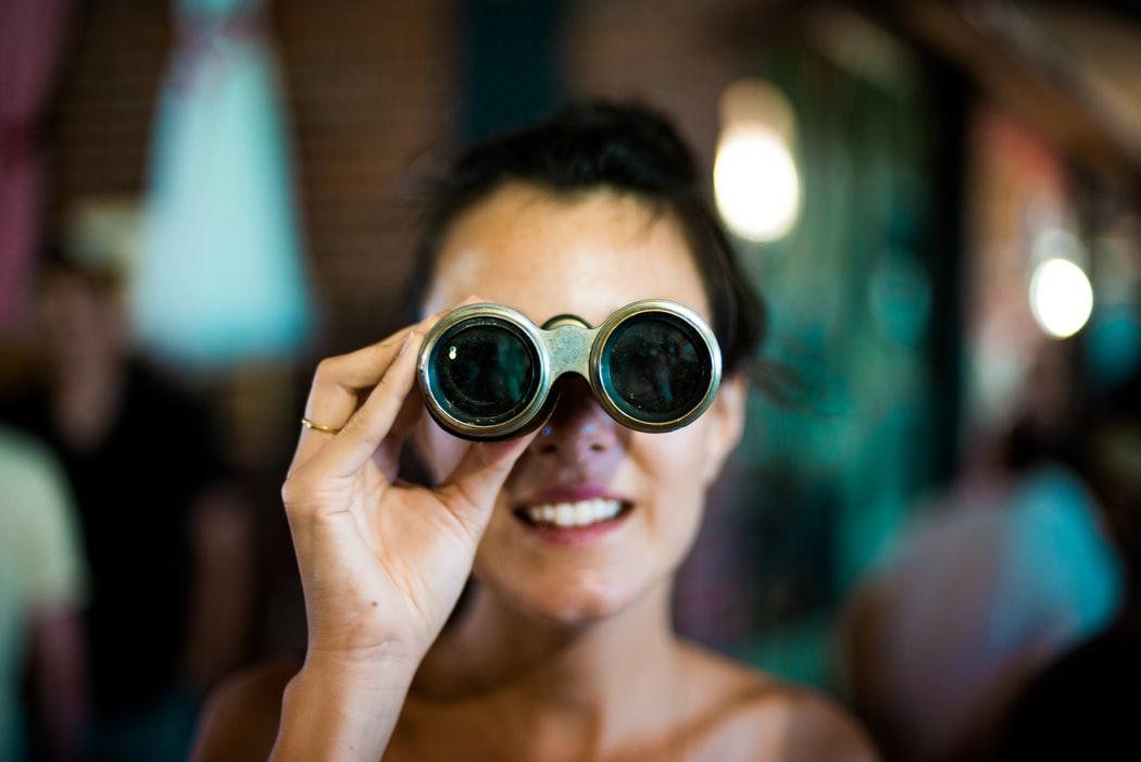 Любопытство заставляет нас с большей вероятностью рассматривать сложные проблемы как интересную задачу