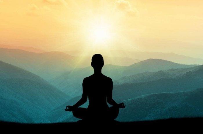 Медитация - сознательное решение постоянно взращивать любовь к себе, чтобы она укоренилась в подсознании.